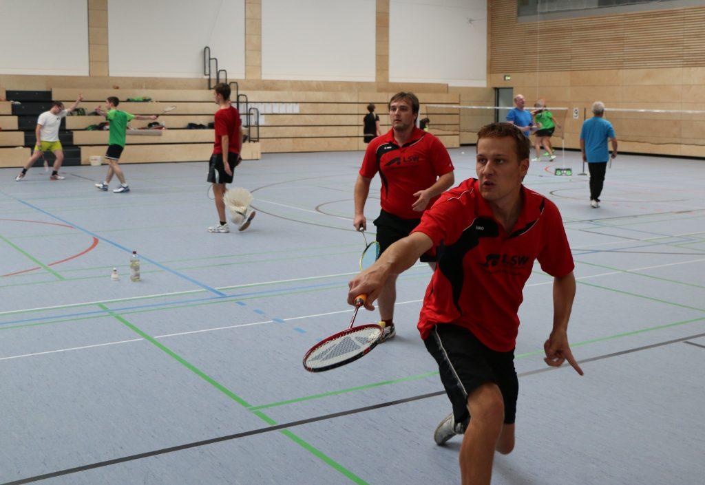 Tobias Lukasch un sein Partner Maxi Urie (im Hintergrund) schieden im Halbfinale des Herren-Doppels Klasse B trotz starkem Einsatz aus